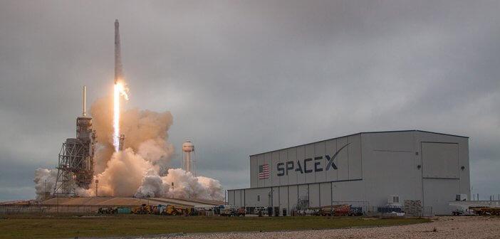 จรวด SpaceX Falcon 9 ประสบความสำเร็จส่งยาน Dragon ขึ้นสู่สถานีอวกาศ ISS