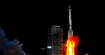 long-march-3B-lifting-off-with-chang-e-4