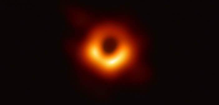 ภาพถ่ายหลุมดำภาพแรกในประวัติศาสตร์จากกล้อง Event Horizon Telescope