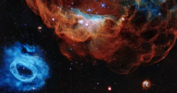 hubble-marks-30-years-in-space-with-tapestry-of-blazing-starbirth