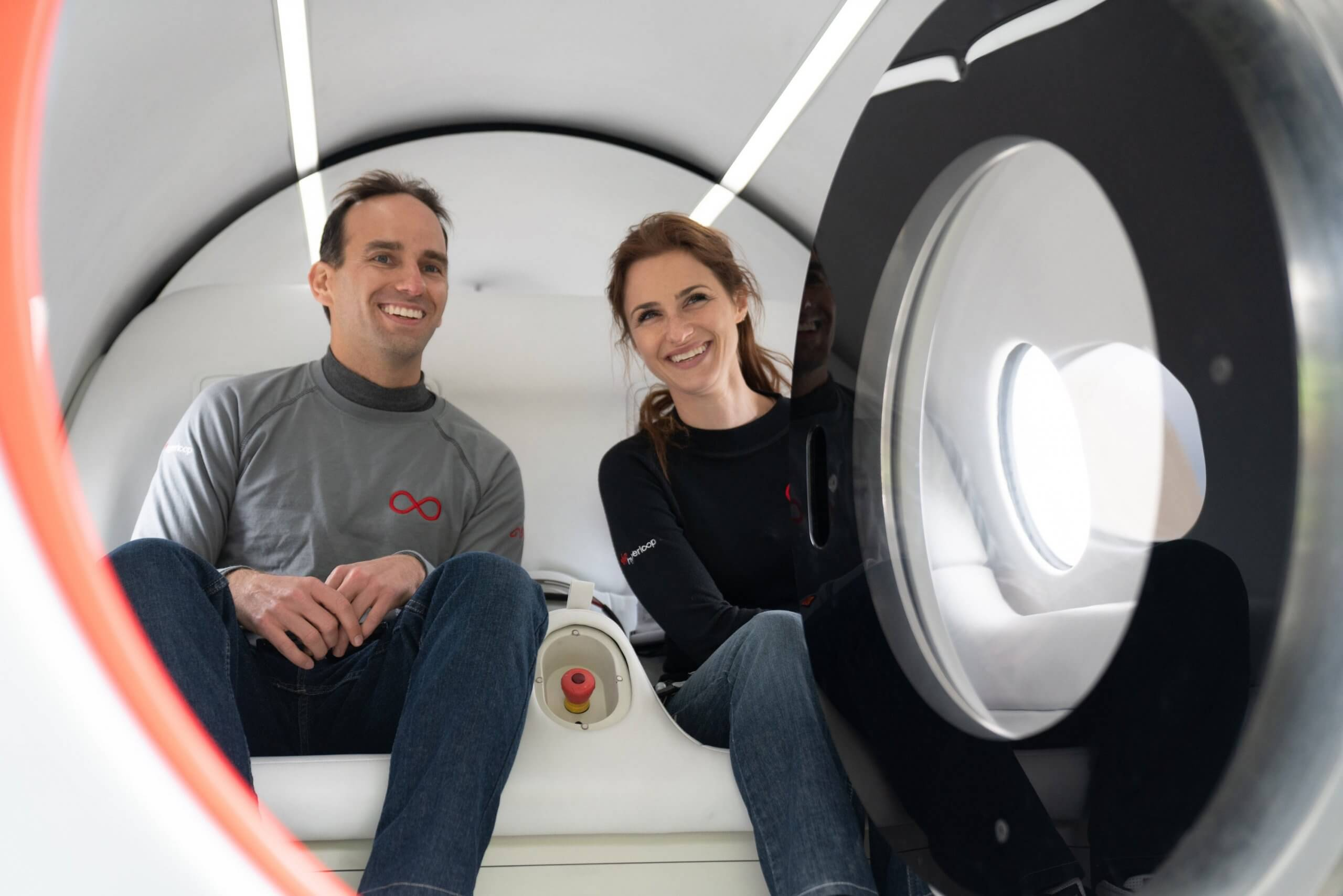 People-travel-in-Virgin-Hyperloop-for-the-first-time